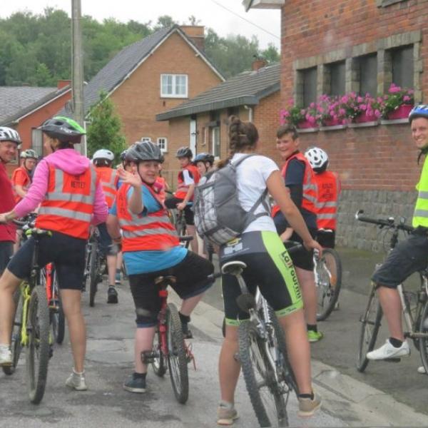ballade en vélo ecole de mettet 2016